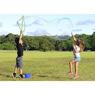 Best Outdoor Toys for 6 Year Olds WOWmazing Giant Bubble Wand Kit